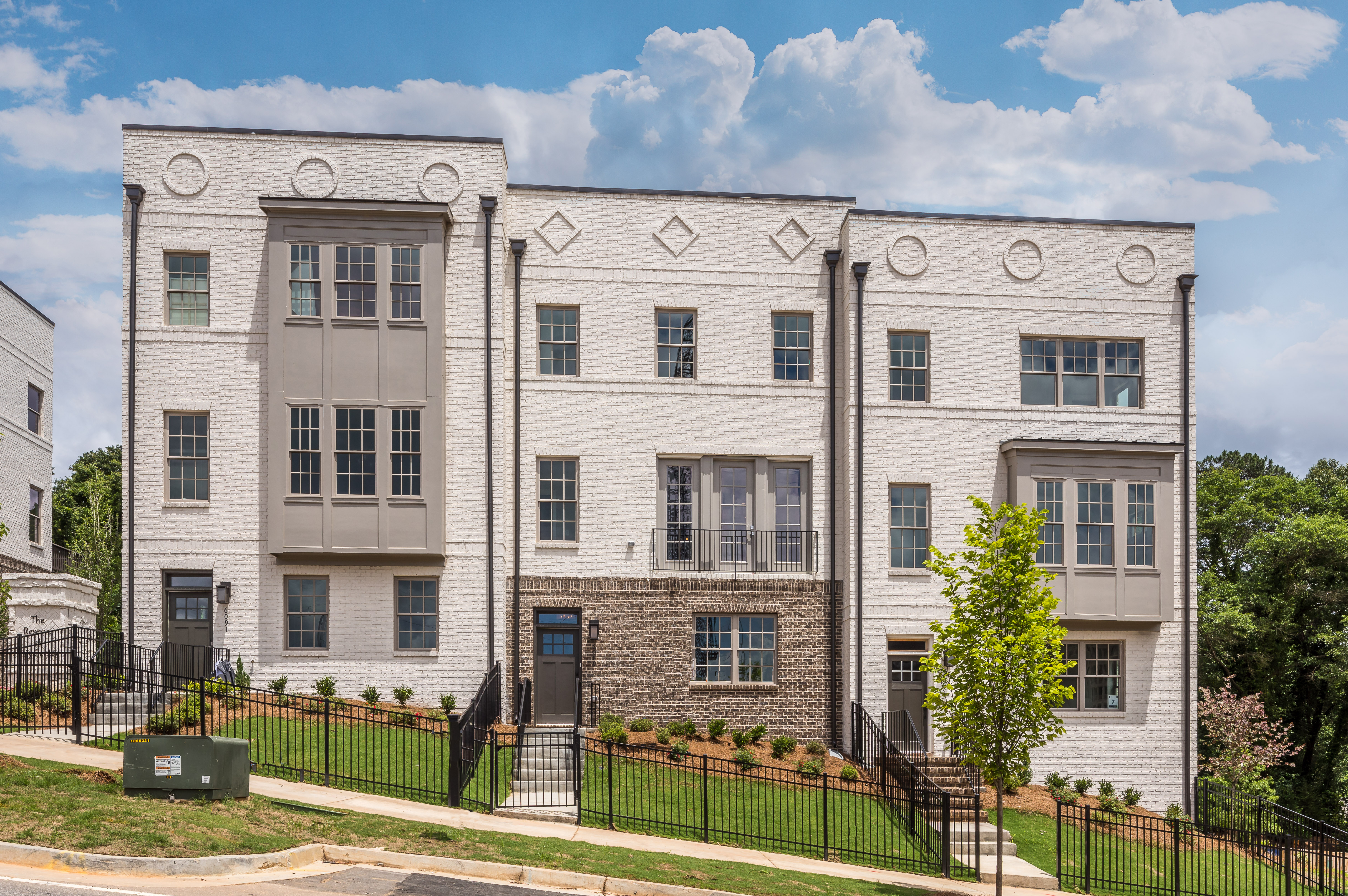 Summer move-in special is happening at Sandy Springs townhomes
