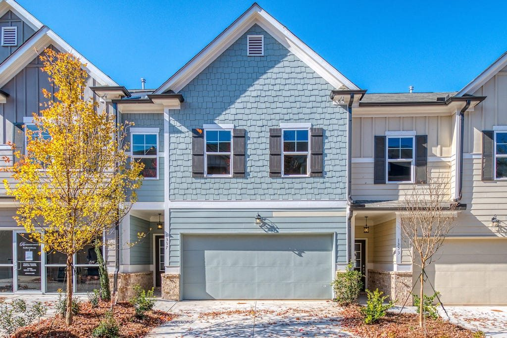 Envision life in new Heights at Grant Park townhomes - East Atlanta