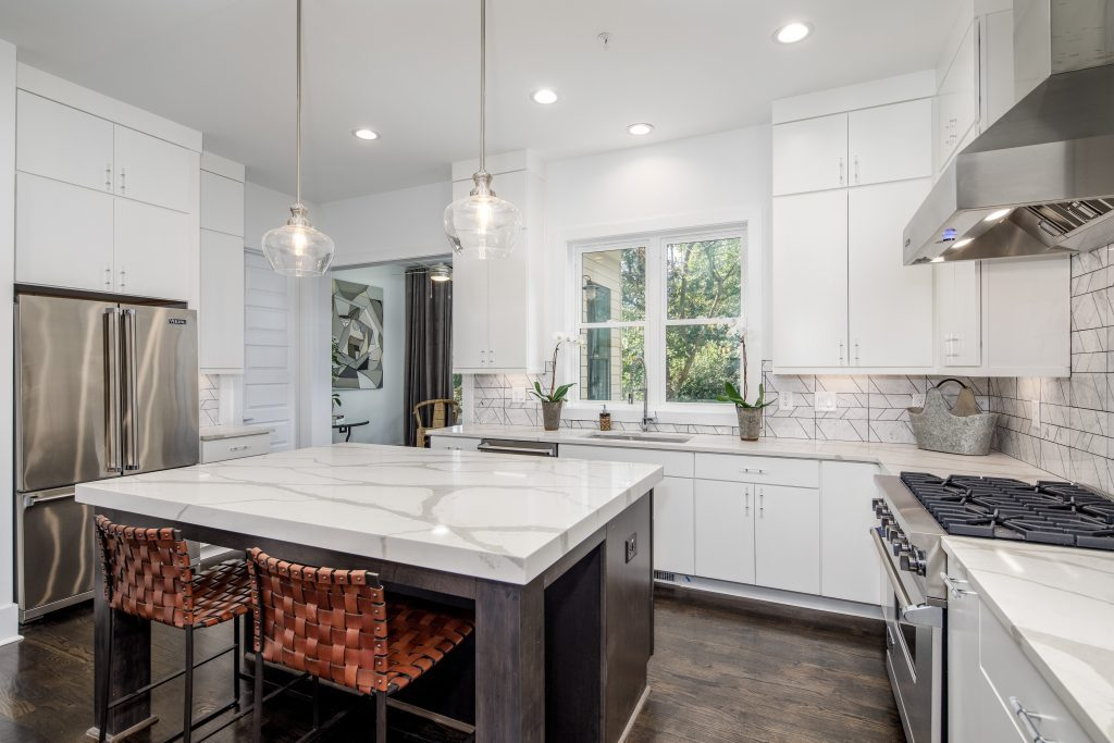 A kitchen island in 28th at Brookwood