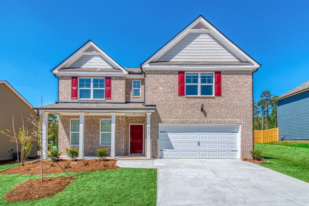 A Clifton floor plan home, move-in ready in Phillips Trace