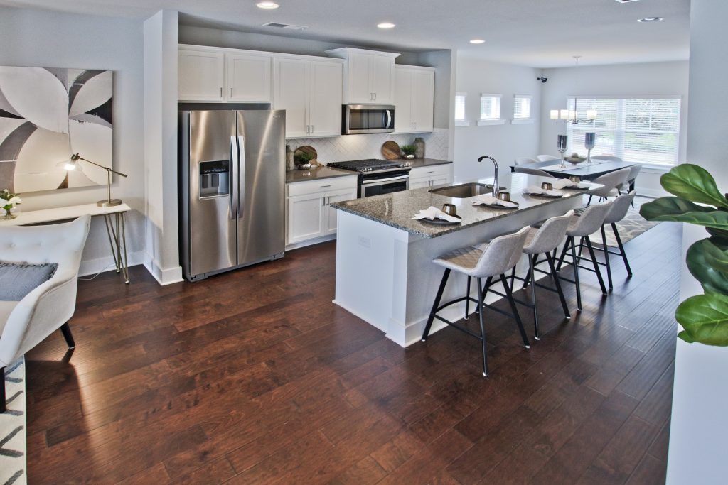 A kitchen in an Atlanta townhome in Kensington Gates