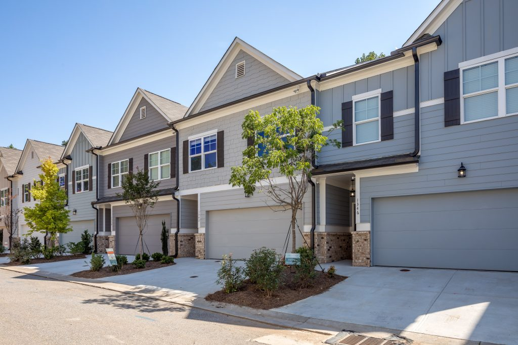 Townhomes for sale in heights at grant park