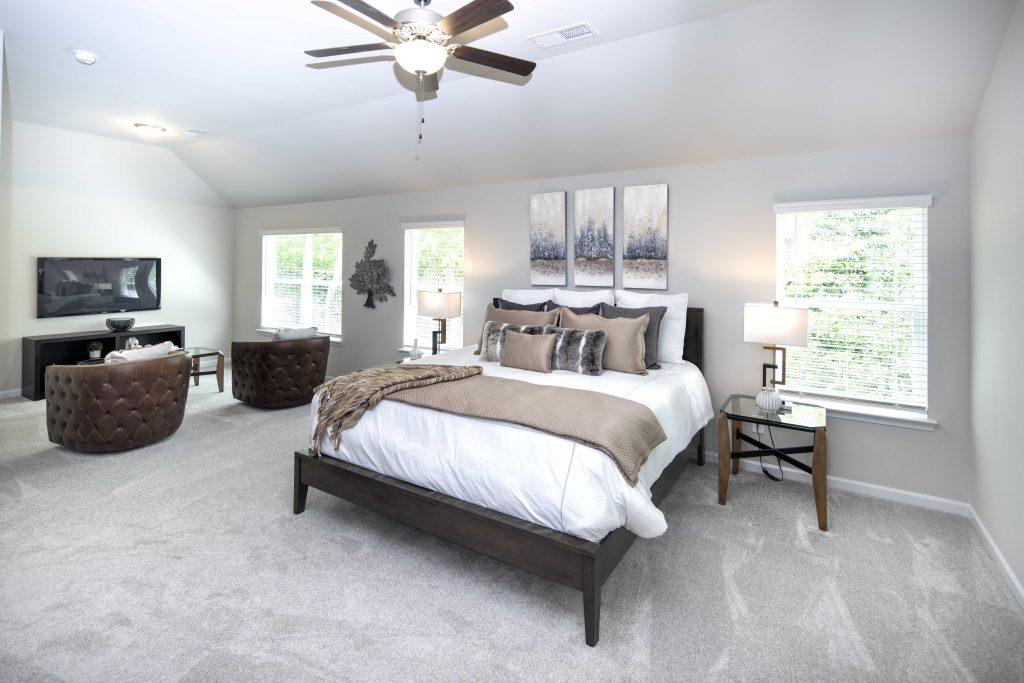 bedroom in the grove in downtown jonesboro
